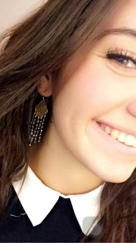 Boucles d'oreilles au cours de bijouterie L'Iris Noir